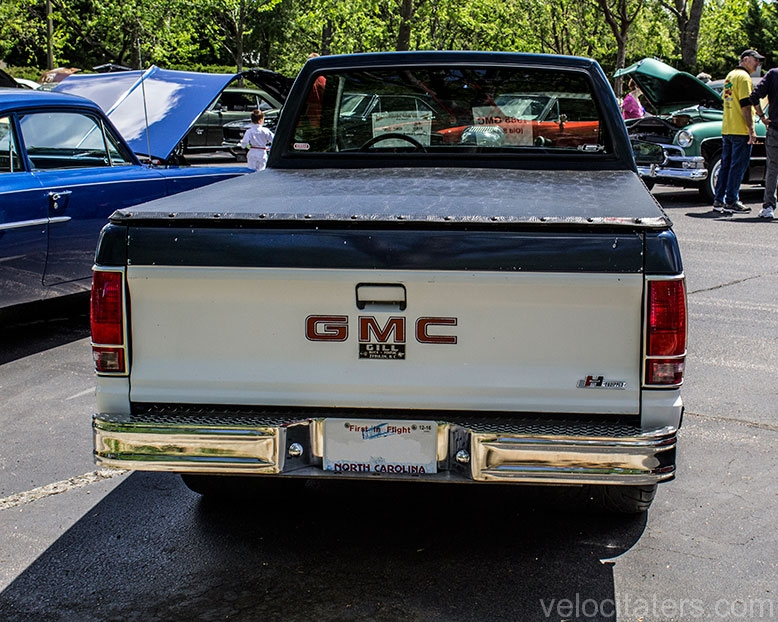 1985 GMC High Sierra S15 - Velocitaters™